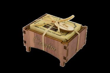 Drvena kutijica med